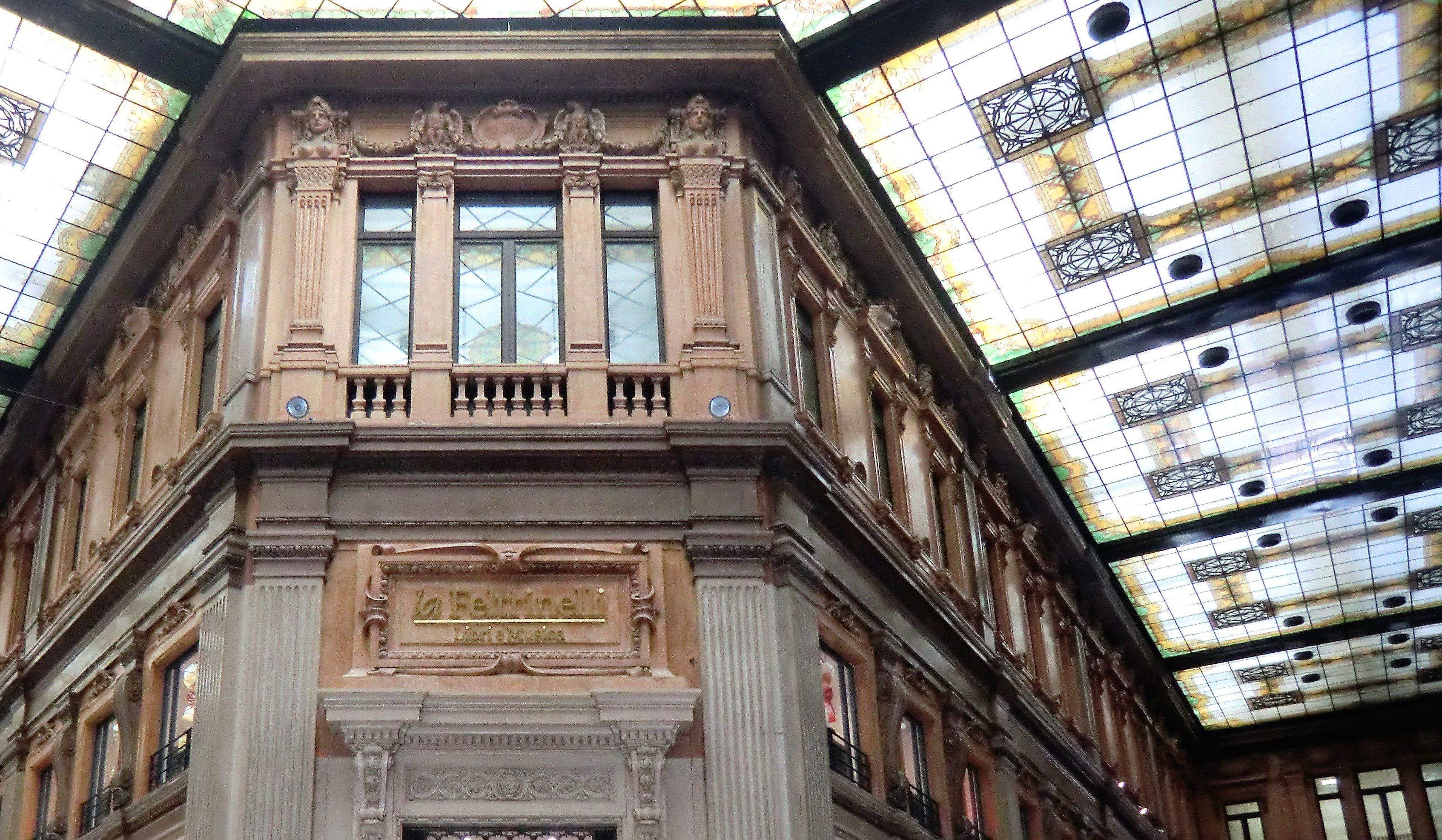 Galerie Alberto Sordi, Via Del Corso, Rome, Escapades