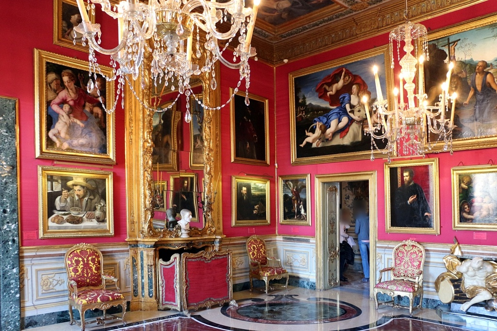Palais Colonna, Rome, Escapades