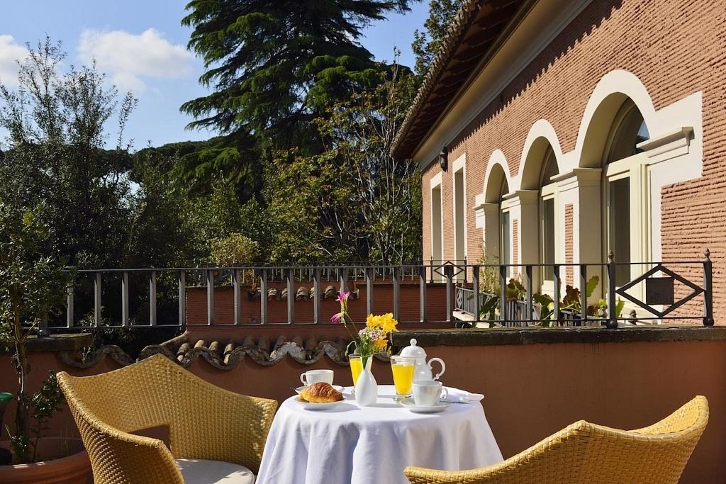 terrasse-hotel-principe-torlonia-rome
