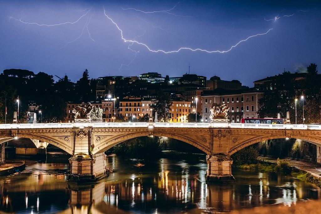 Temps orageux d'automne, Rome