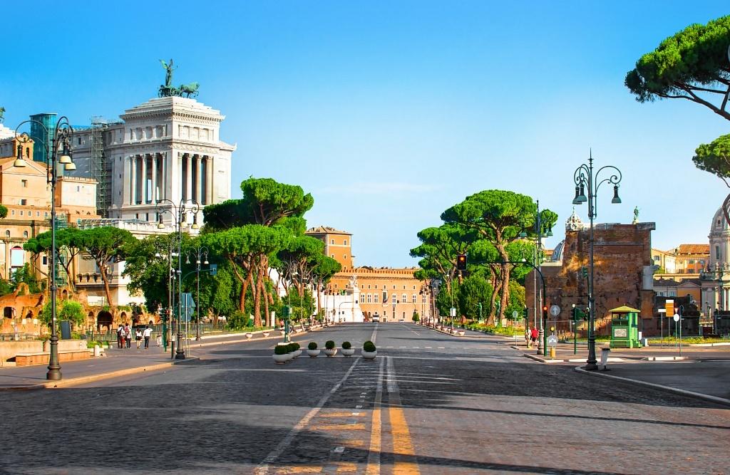 Palais Victor Emmanuel II en été, Rome